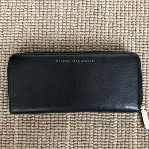 Marc Jacobs two toned wallet